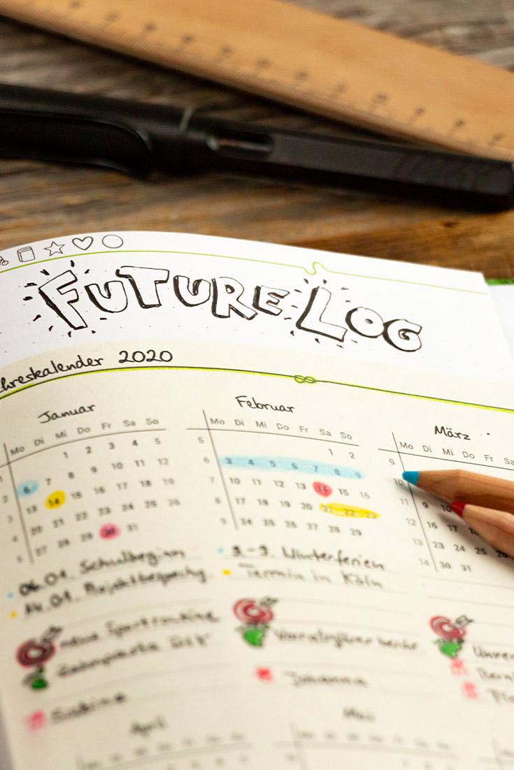 Nutze die Jahresübersicht im Grünen Faden als Future Log. So hast du alle wichtigen Termine und kleine Schritte für große Ziele immer im Blick.